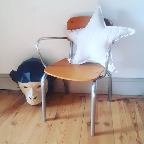 Chaise vintage de maternelle