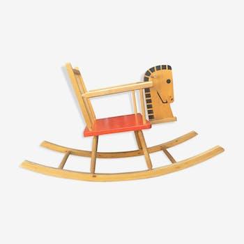 Cheval a bascule en bois vintage