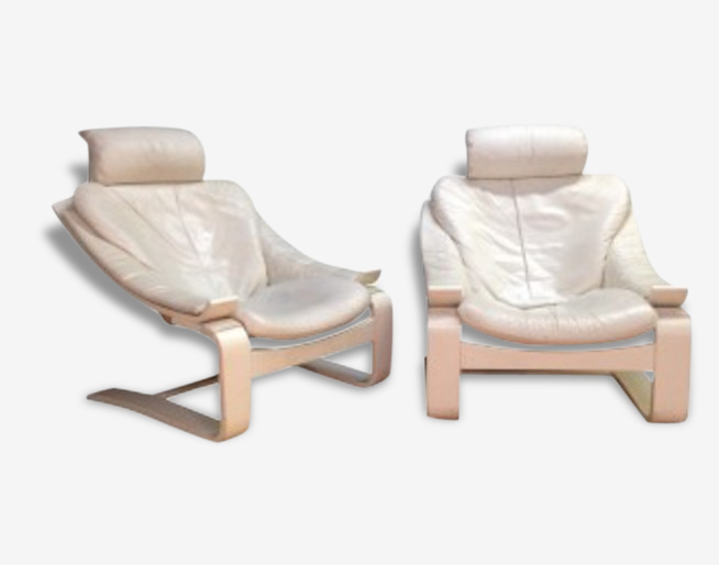 "Paire de fauteuils ""Kroken"" en cuir blanc, Ake FRIBYTER - années 90"