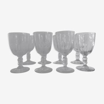8 verres à pied soufflés anciens en verre