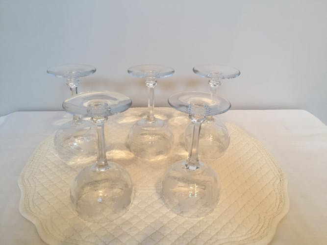 Set of 5 engraved crystal red wine glasses