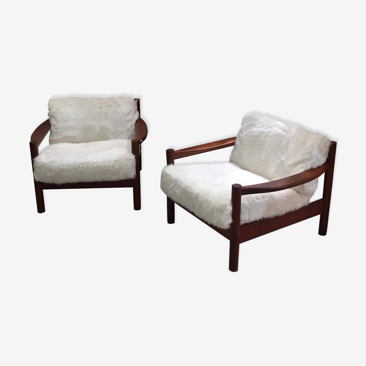 Paire de fauteuils scandinaves années 60 en fourrure