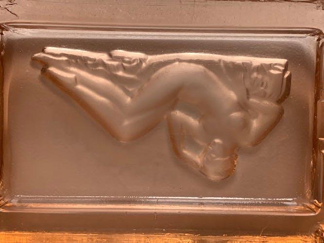 Cendrier art déco avec décor de femme nue