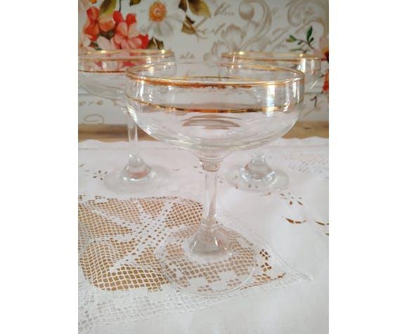 Lot de 5 coupes à champagne en verre et liserés dorés