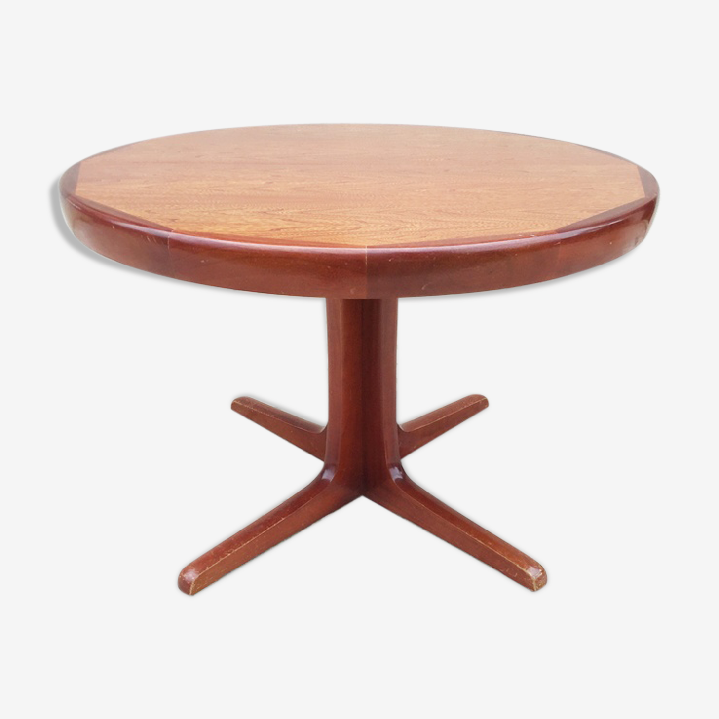 Table ronde scandinave 4 personne 1960