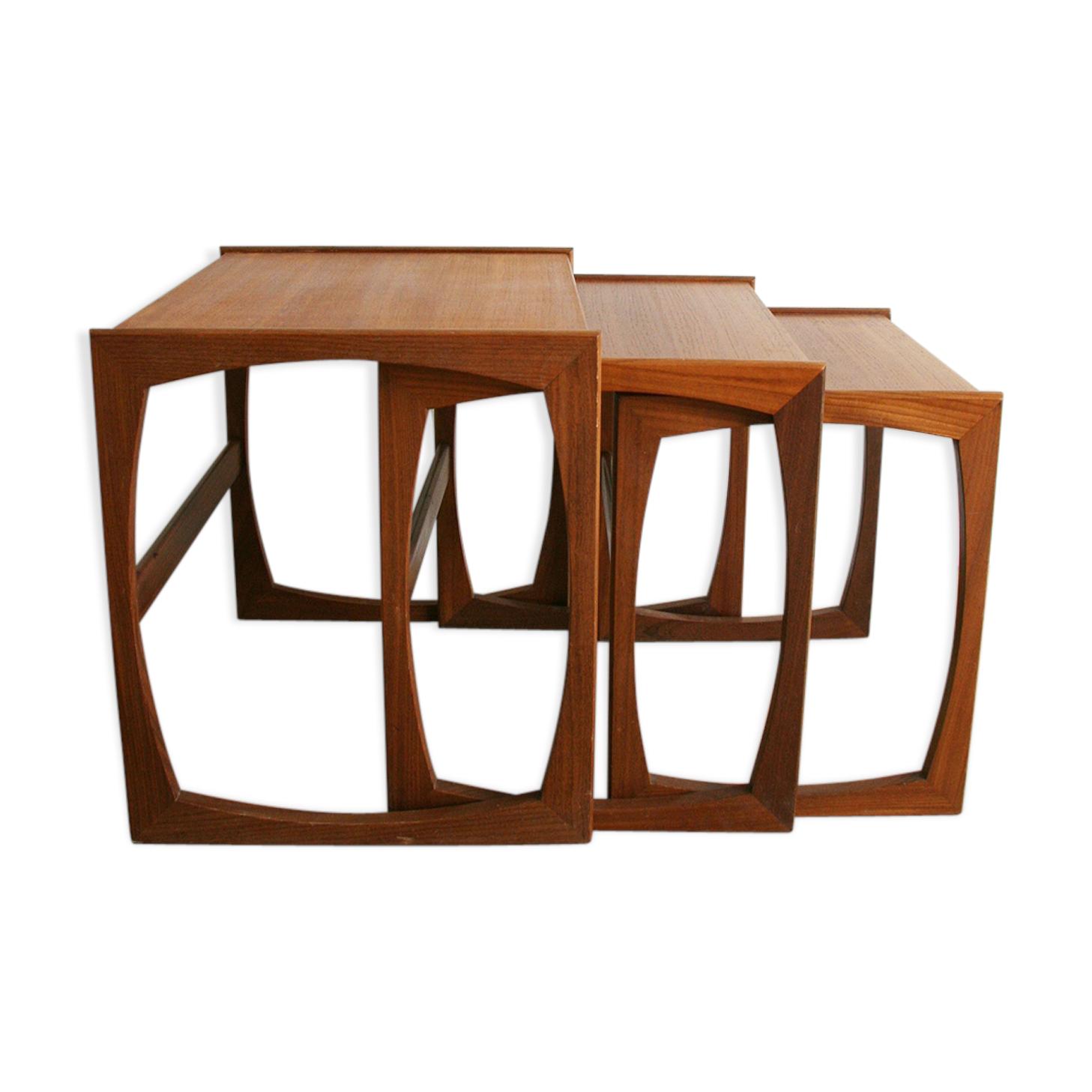 Ensemble de 3 tables basses gigognes G Plan des années 60