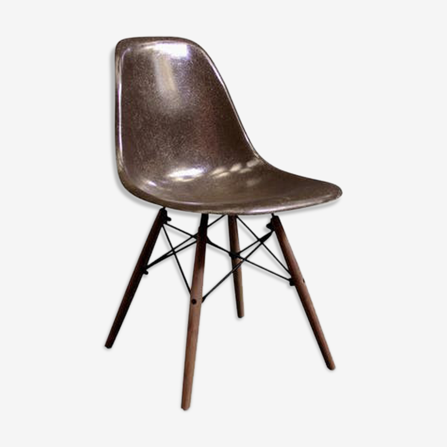 DSW chair by CHarles and Ray Eames for Herman Miller 1970 edition