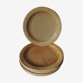 5 dinner plates in sandstone