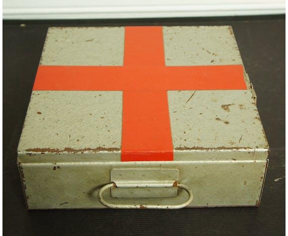 Metal-lacquered medicine box 40s