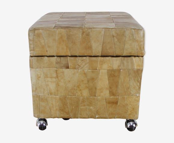 Pouf coffre De Sede carré en patchwork de cuir 70's