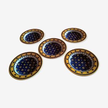 5 Provençal-style plates