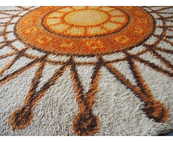 Orange Cream Sun Burst Patterned Shag