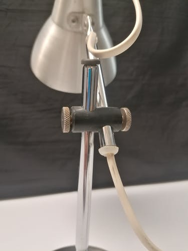 Lampe de bureau vintage en aluminium brossé années 70