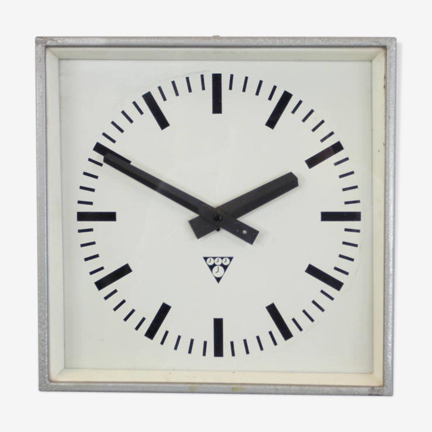 Clocks factory by Pragotron circa 1960