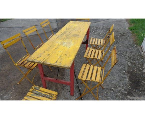Ensemble table de brasserie & 8 chaises pliantes