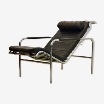 Early 'Genni' Chaise Longue in Chrome and Black leather by Gabriele Mucchi for Zanotta, numbered