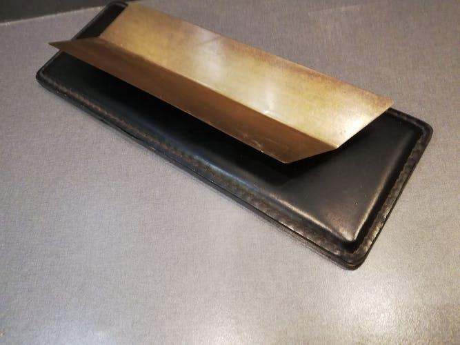 Set de bureau cuir piqué et laiton porte stylos plumes