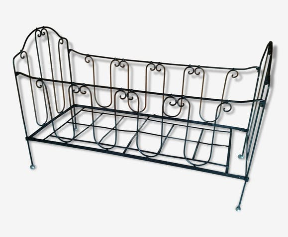 Bed cage of child.