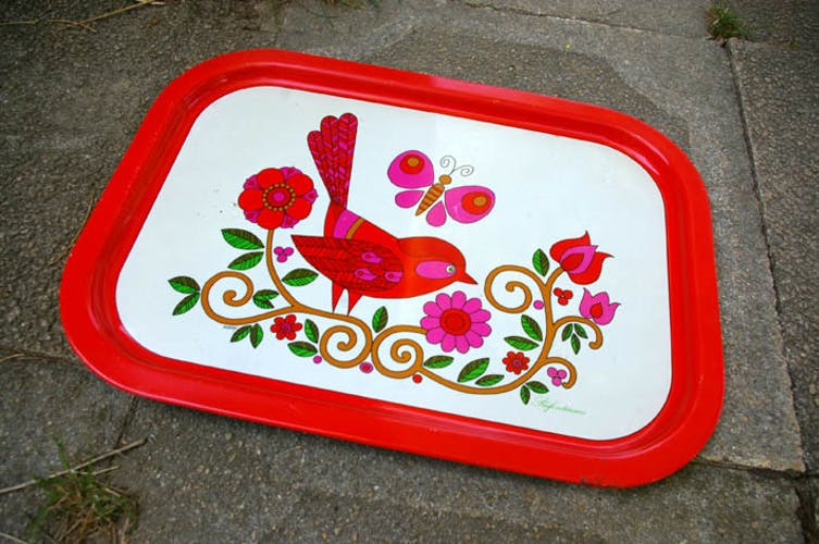 Painted metal plate of the 1970s