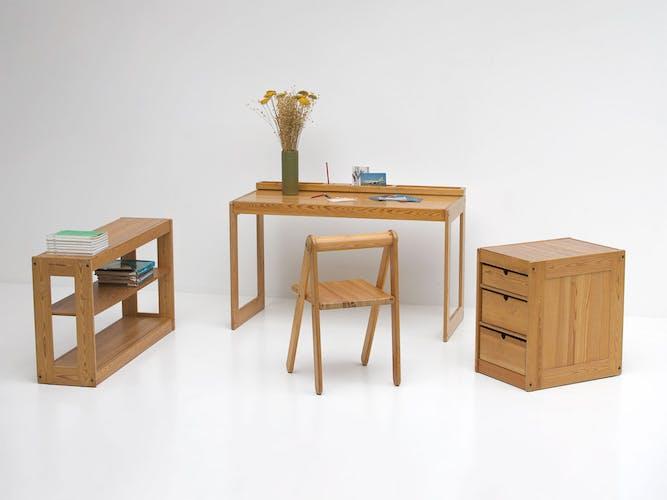 Meubles de bureau pour enfants par Pierre Grosjean