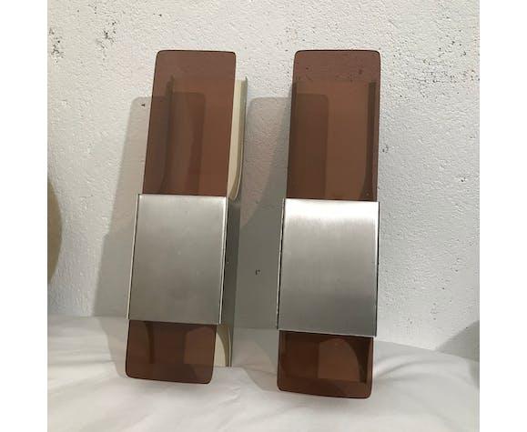 Paire d'appliques métal et plexiglas  1970