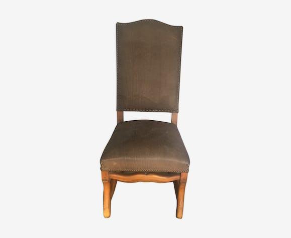 Chaise en cuir retourné