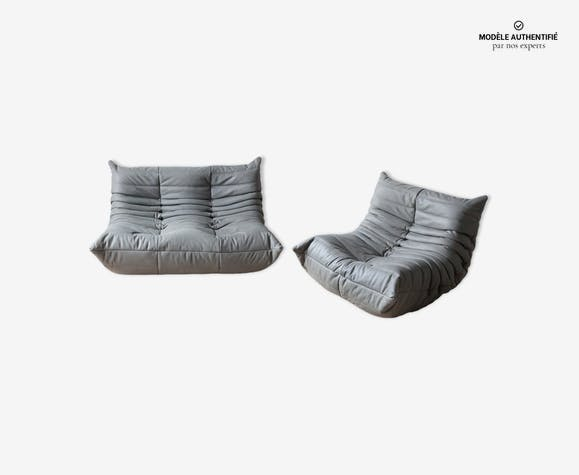 Canapé 2 places et chauffeuseTogo en cuir gris elephant par Michel Ducaroy pour Ligne Roset