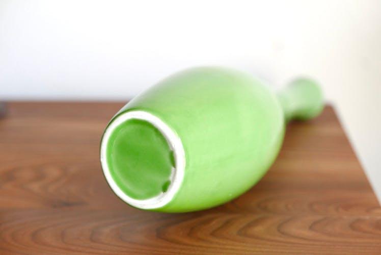 Vase bouteille verte en céramique années 70