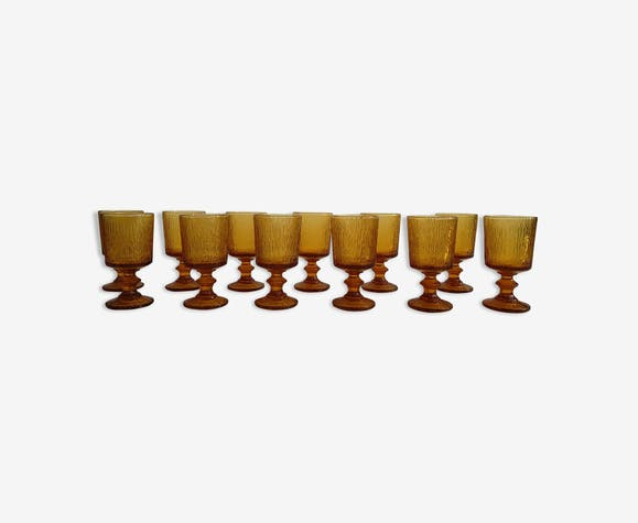 Douze verres à vins vintage