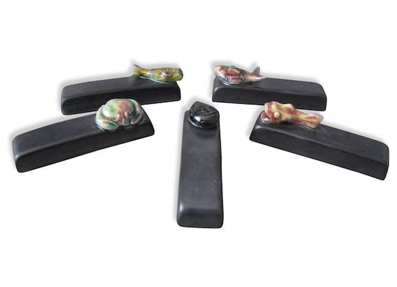 5 porte couteau en fa ence de style vallauris c ramique. Black Bedroom Furniture Sets. Home Design Ideas