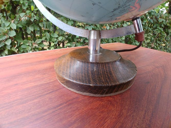 Taride globe 1986