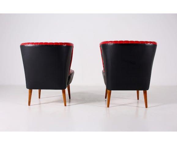 Paire de chauffeuses cocktail en faux cuir rouge et noir