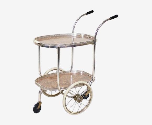 Chariot vintage à deux niveaux