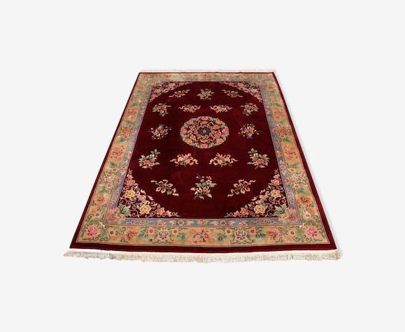 Tapis de laine de chine à franges avec motif floral sur fond de prune profond 393x274cm