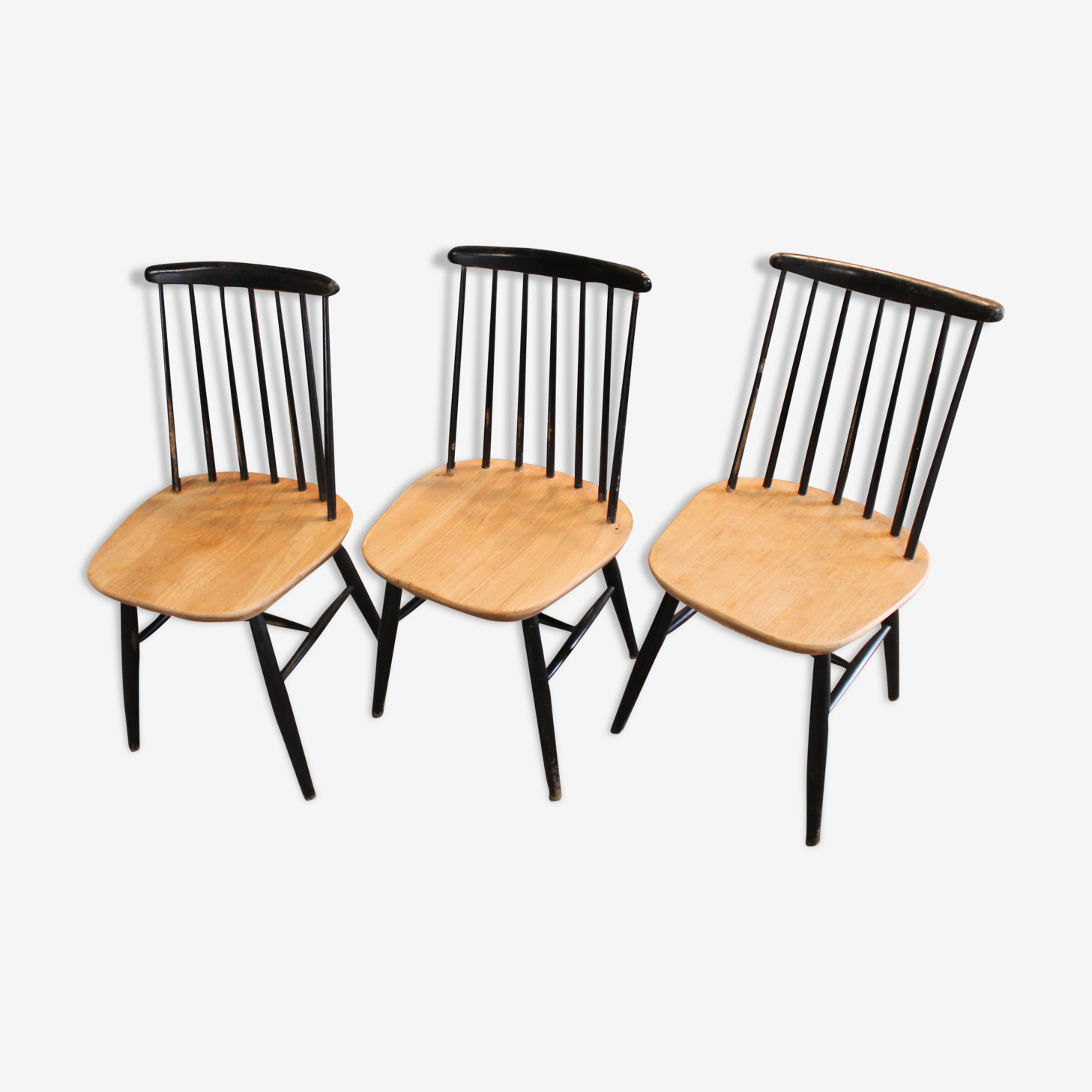 Set of three chairs