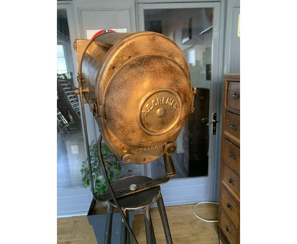 Ancien projecteur de théâtre cremer sur pied métal