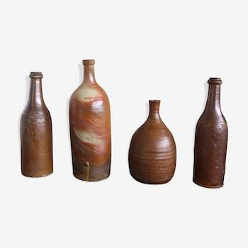Lot de 4 bouteilles en grès vintage