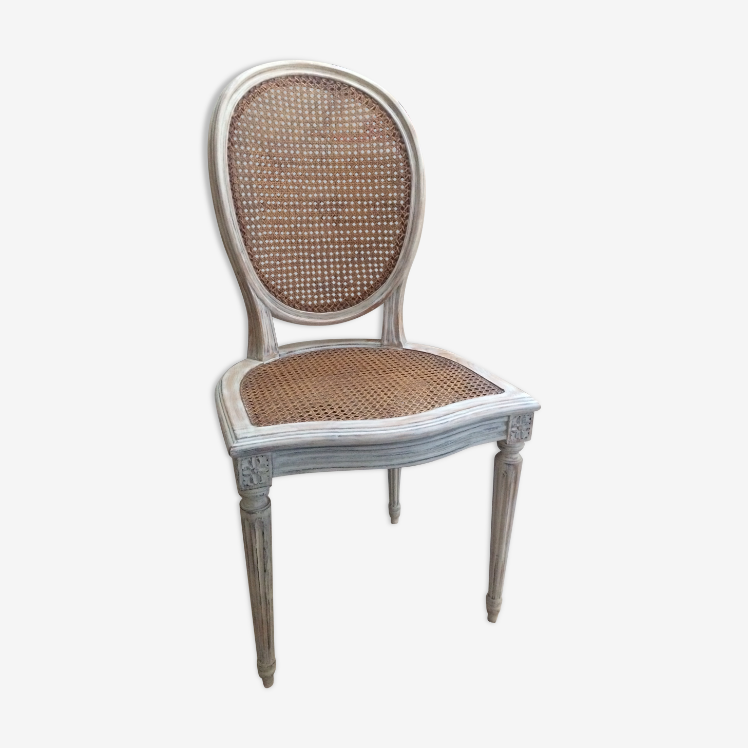 Chaises Medaillon Cannees