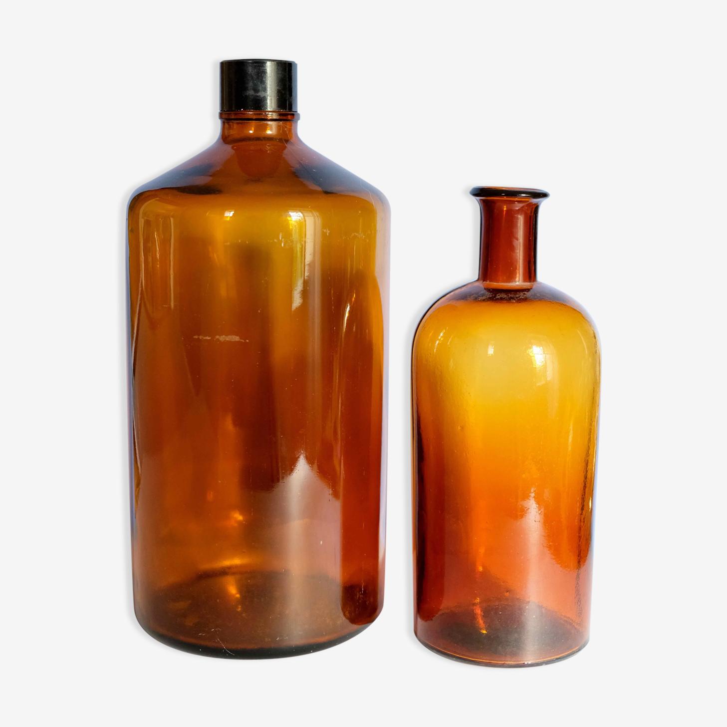 Ensemble de flacons d'apothicaire en verre épais ambré