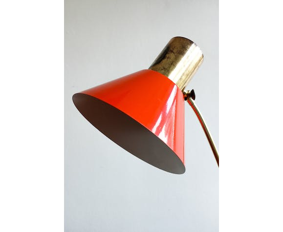 Red vintage table lamp