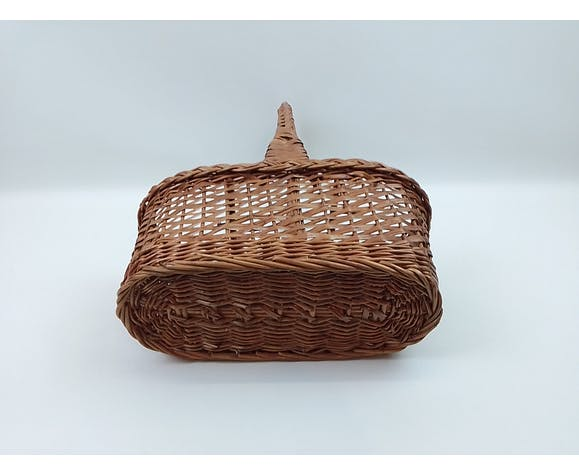 Wicker bottle holder one handle and 3 compartments