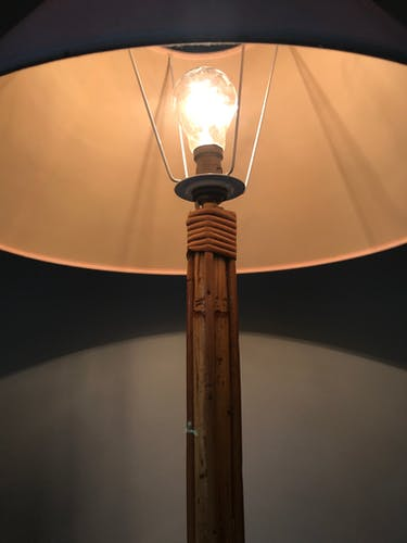 Lampadaire rotin vintage années 60