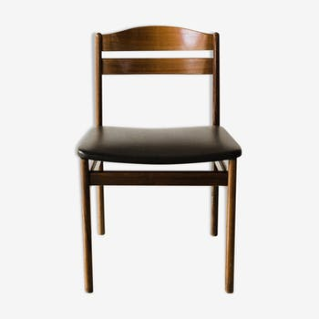 Scandinavian chair in wood and black leather