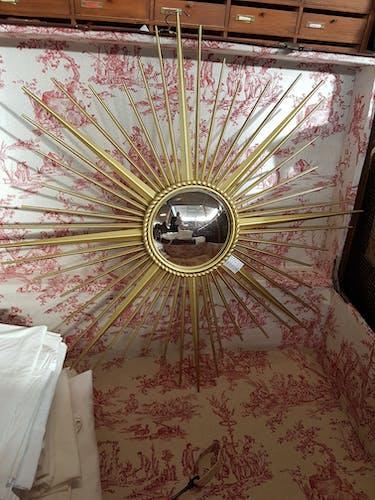 Witch eye mirror