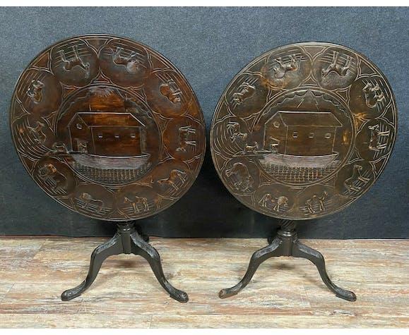 Paire de guéridons époque Napoléon III en bois naturel teinté