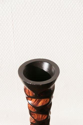Bougeoir en bois exotique laqué