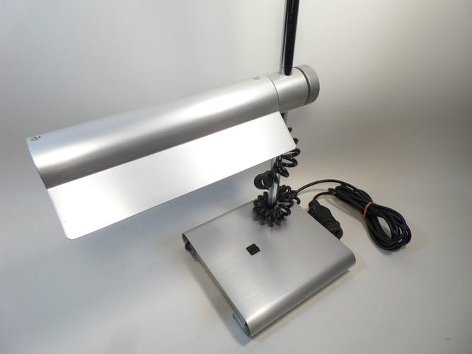 Lampe vintage en aluminium massif