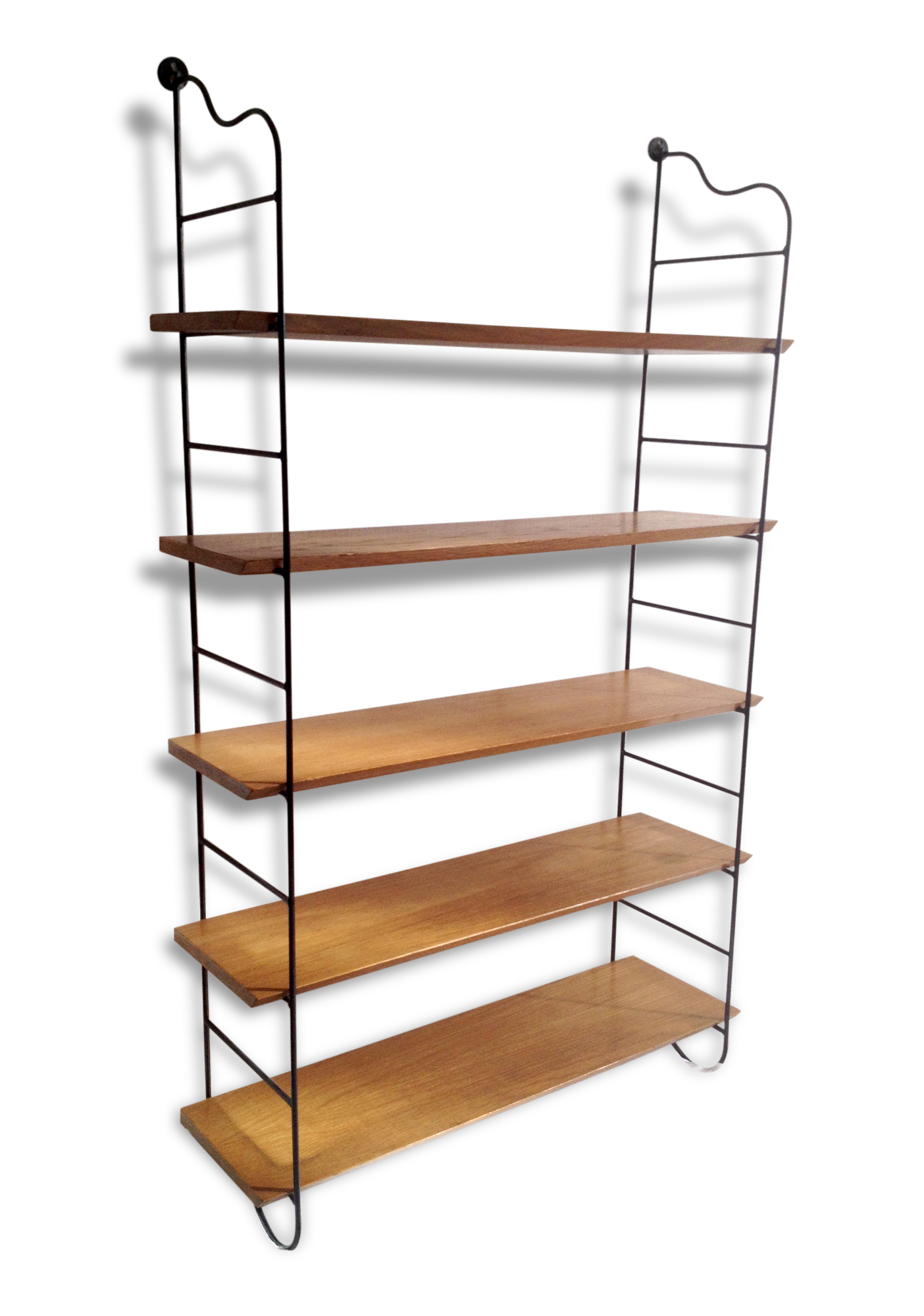 etagere design scandinave excellent tagre design scandinave en bois en verre with etagere. Black Bedroom Furniture Sets. Home Design Ideas