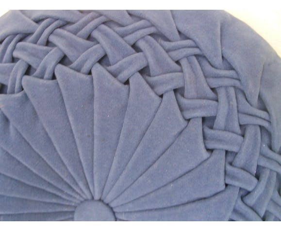 Coussin rond en velours plissé bleu