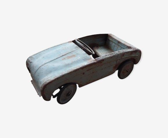 Voiture à pedales Dauphine des années 1960